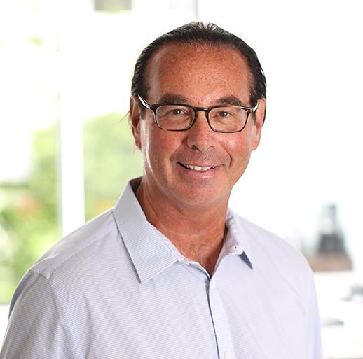 Dr Jacques St-Pierre Anesthésiologiste réanimateur de 30 ans d'expérience Membre du Collège des médecins du Québec.